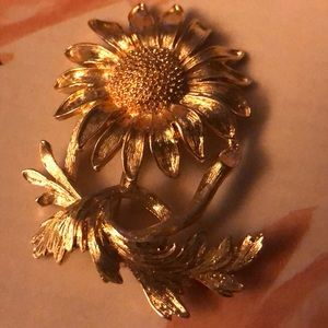 VINTAGE Monet SunFlower Brooch -Pristine Vintage